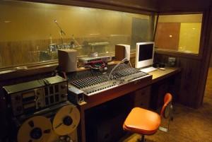 $10の部屋、レコーディングスタジオ付き